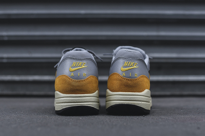 new concept 702b9 22dce nike wmns air max 1 gold leaf 2