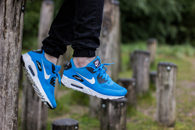 Nike Air Max 90 Ultra Essential - On The Foot d9332d645