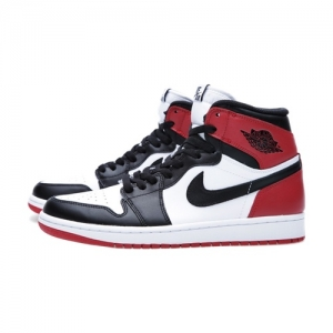 Nike Air Jordan 1 Retro Black Toe feat