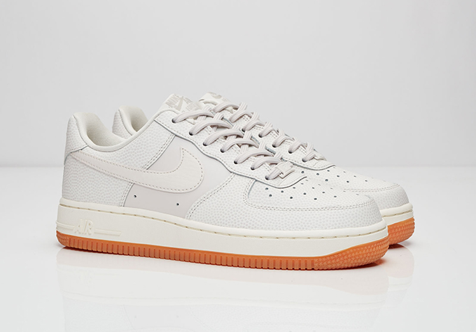 equipo puramente esconder  Nike Wmns Air Force 1 07 Seasonal - Available Now - The Drop Date