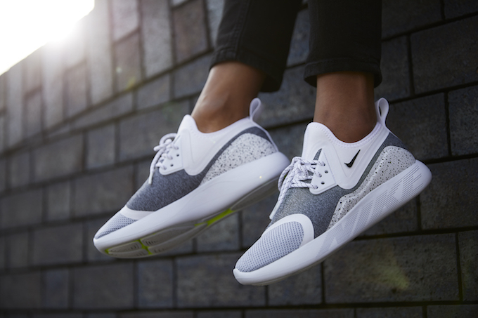 Fans of the new NIKE LUNARCHARGE ESSENTIAL silhouette will surely be  rubbing their trainer-grabbing hands with glee as The Swoosh prepares to  release a glut ... 75d10fffa