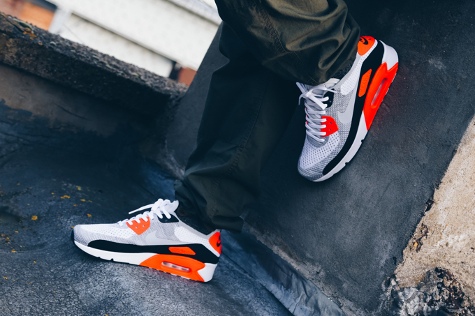 The NIKE AIR MAX 90 ULTRA 2.0 FLYKNIT INFRARED: rebirth of