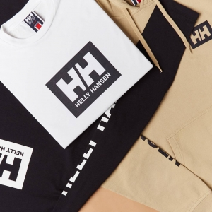HELLY HANSEN AT END. CLOTHING
