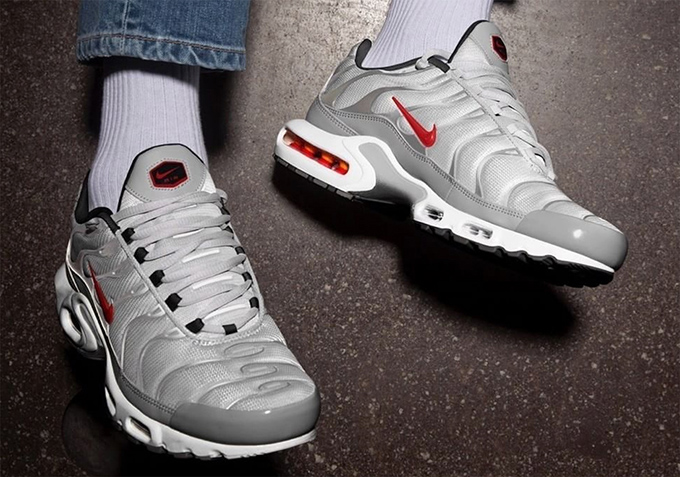 a40ecfd47e A Thumbs-Up Mash-Up: Nike Air Max Plus Silver Bullet - The Drop Date
