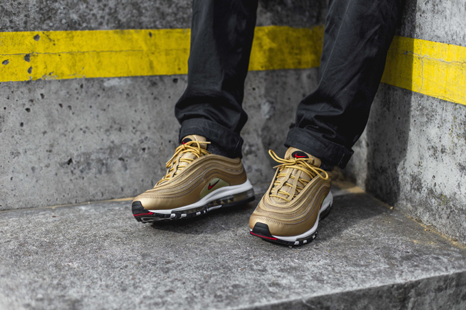 Air Vapormax 97 'Metallic Gold'