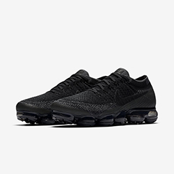 e157ef13eeb8 The Nike Air VaporMax Flyknit Levels up in Black Anthracite