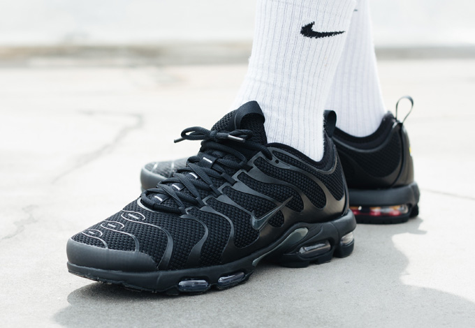 nike air max plus tn ultra triple black on foot shots. Black Bedroom Furniture Sets. Home Design Ideas
