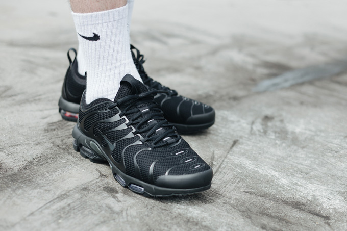 Nike Air Max Plus TN Ultra Triple Black - On-Foot Shots - The Drop Date 757aed5c3
