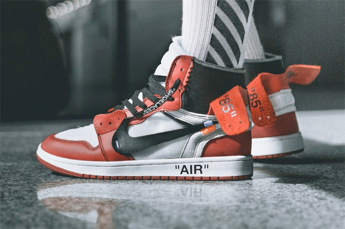 sports shoes eb328 5af38 The OFF-WHITE™ x Nike Air Jordan 1 is Dropping Soon - The ...