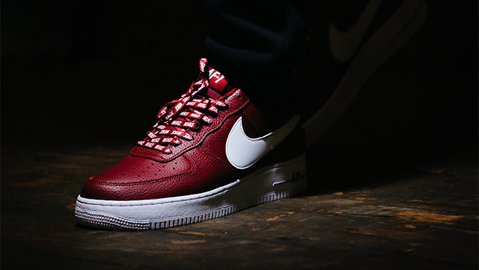 cheap for discount 0470e 00cce We get hyped for NBA season and shine a light on the NIKE AIR FORCE 1  STATEMENT GAME PACK in this exclusive on-foot shoot.