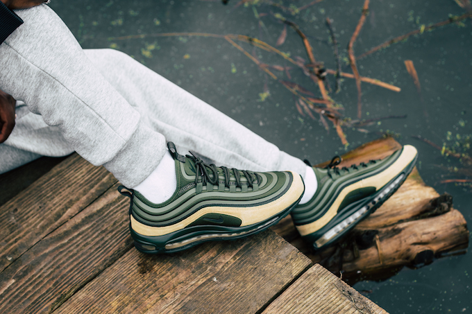 by Premium for Chaussures Nike SSS Air Grey Nike 97 Max Femme Shop aqXzxBX