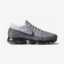 58a76d56bd3e The Nike Air VaporMax Adopts the Infamous Neon 95 Colourway