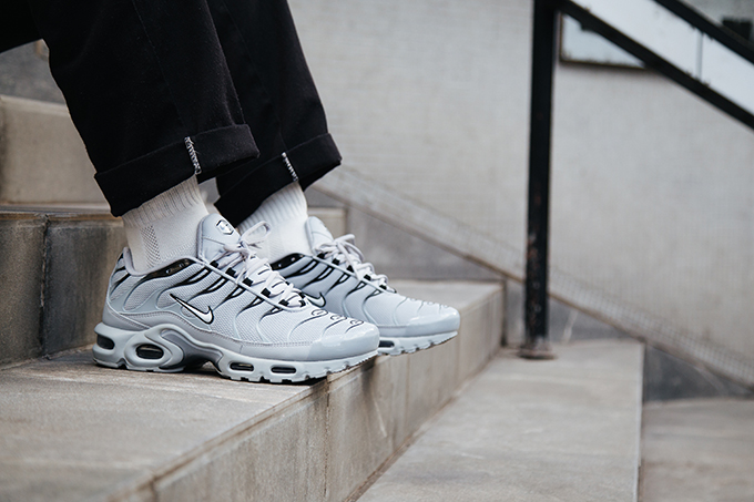 newest collection 3a258 5bf48 Nike Air Max Plus Wolf Grey: On-Foot Shots - The Drop Date