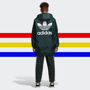 Bring the terrace to the street with the new ADIDAS ORIGINALS TREFOIL MANAGER COAT. Click the thumbnail to shop now.