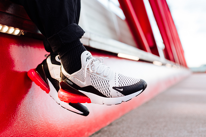 The NIKE AIR MAX 270 LIGHT BONE AND HOT PUNCH released on FRIDAY 2 MARCH: follow the banner below to check out the current Air Max 270 collection at NIKE.