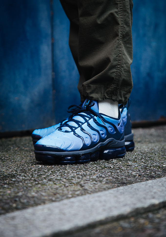 size 40 580aa 981a6 Nike Air VaporMax Plus Photo Blue: On-Foot Shots - The Drop Date