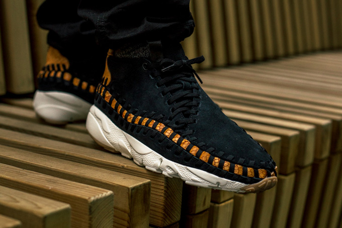 best website 2efb0 817ff Nike Air Footscape Woven Chukka Premium