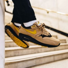 e5b0be832ee82 Nike Air Max 1 Elemental Gold: On-Foot Shots