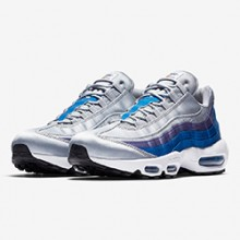 ddfaa5f4d9e6f Swoosh Pinwheel Spotted on the Nike Air Max 95