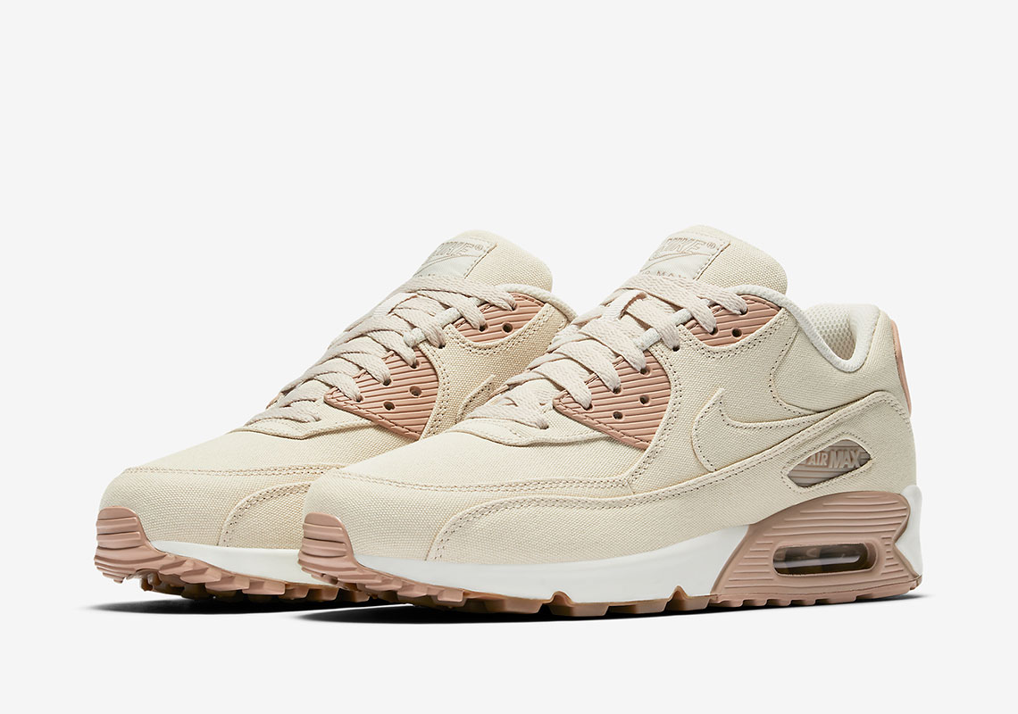 size 40 2e19b 8d68c A Classic Receives Updated Fabrication with the Nike Air Max ...