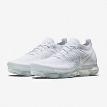 963d2b8c1c8c3 Freshen Up with the Nike Air VaporMax 2 Pure Platinum