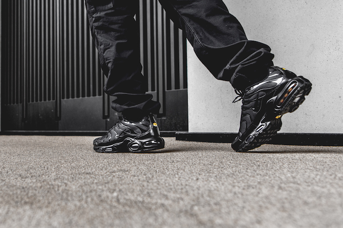 pretty nice 28f57 0c7ec Nike Air Max Plus TN Triple Black: On-Foot Shots - The Drop Date
