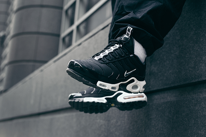 finest selection 7ef76 d01a3 The NIKE AIR MAX PLUS TN SE is AVAILABLE NOW  follow the banner below to  shop your chosen colourway with NIKE today.