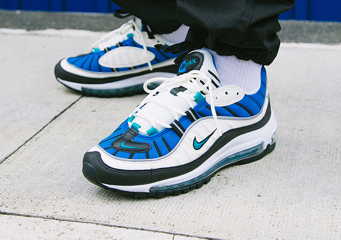 https://www.thedropdate.com/wp-content/uploads/2018/06/Nike-Air-Max-98-Womens-Emerald-1.jpg
