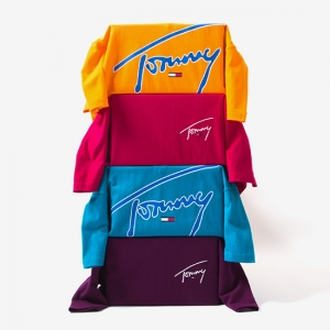 TOMMY JEANS SIGNATURE COLLECTION