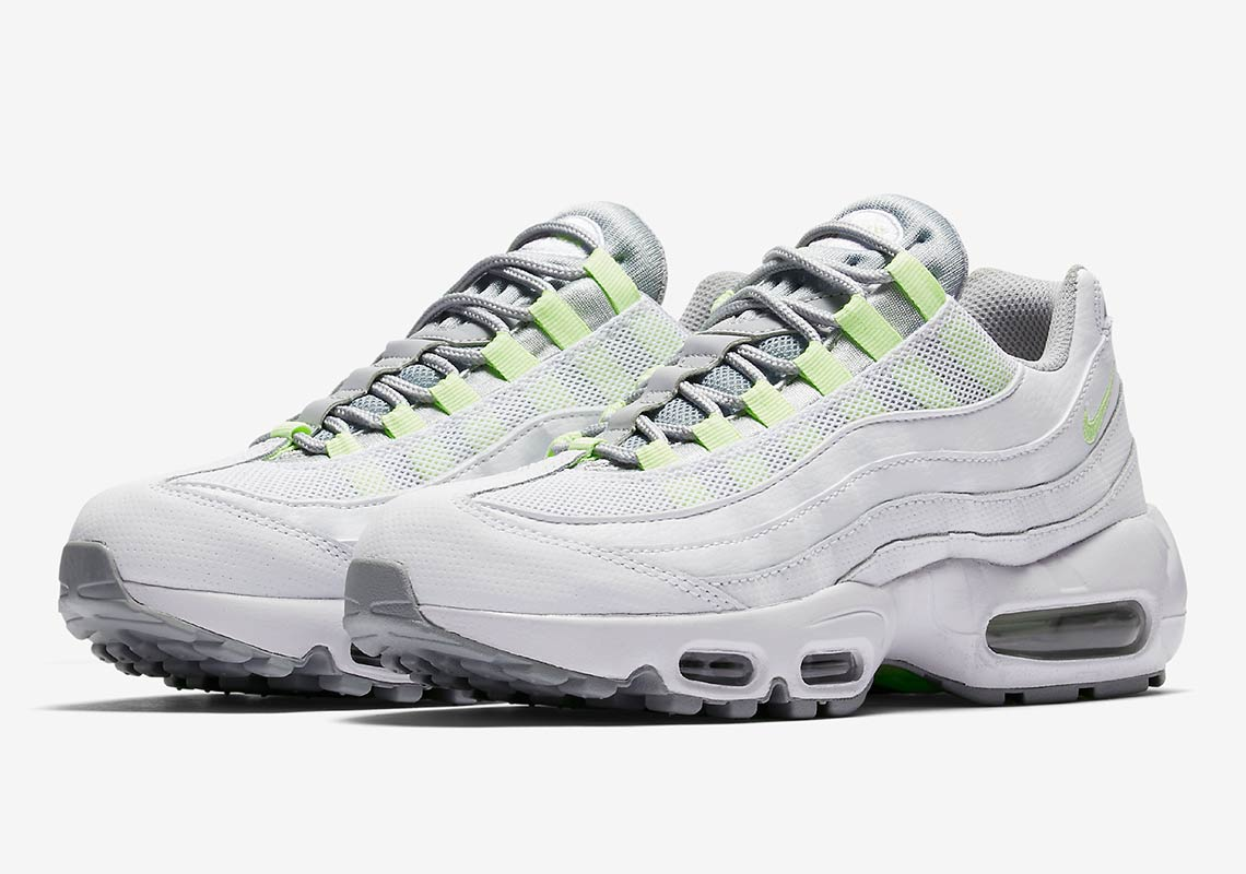buy online d78a5 fe8e6 The Nike Air Max 95 SE Neon Pays Homage to a Classic - The ...
