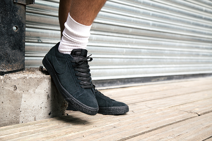 buy popular fb809 2dec1 Nike SB Blazer Zoom Low Black: On-Foot Shots - The Drop Date