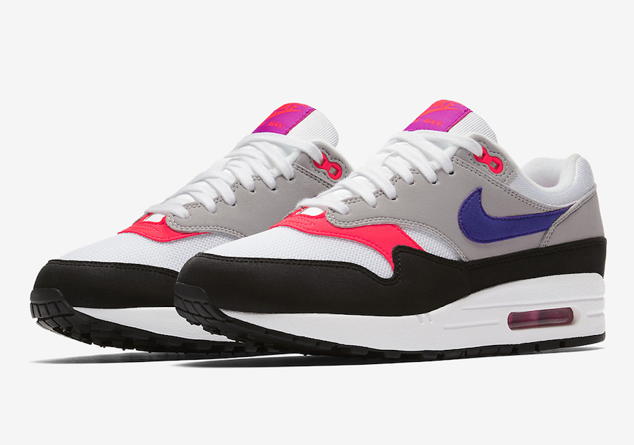 size 40 d5219 b01dd Nike loans the Raptors makeup to the Air Max family with the NIKE AIR MAX 1  PINK FLASH.