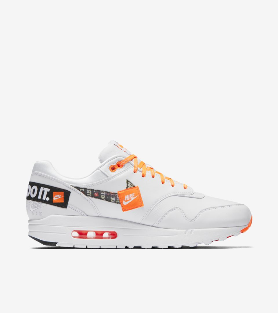 Independiente Contribuyente imagina  Up Your Logo Density with the Nike Air Max 1 Just Do It - The Drop Date