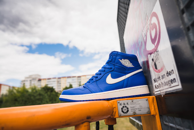 bd06544a727e96 The NIKE AIR JORDAN 1 RETRO HIGH OG HYPER ROYAL is AVAILABLE NOW  hit the  banner below to find out where you can pick up a pair today.