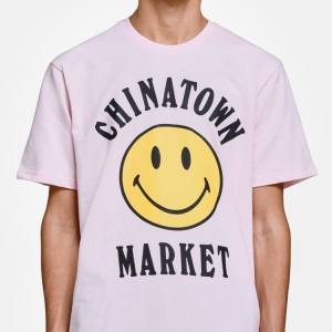 CHINATOWN MARKET puts a smile on your face/t-shirt with this official Smiley collab, available now. Click the pic to shop.