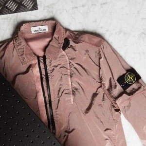 With the heatwave finally over, thoughts turn to Autumn with the latest drop from STONE ISLAND... Click the thumbnail to shop.