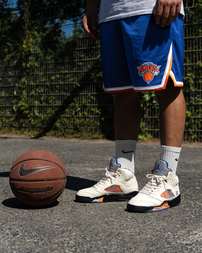 Ventilación fingir Gama de  Nike Air Jordan 5 Retro International Flight takes to Barcelona - The Drop  Date