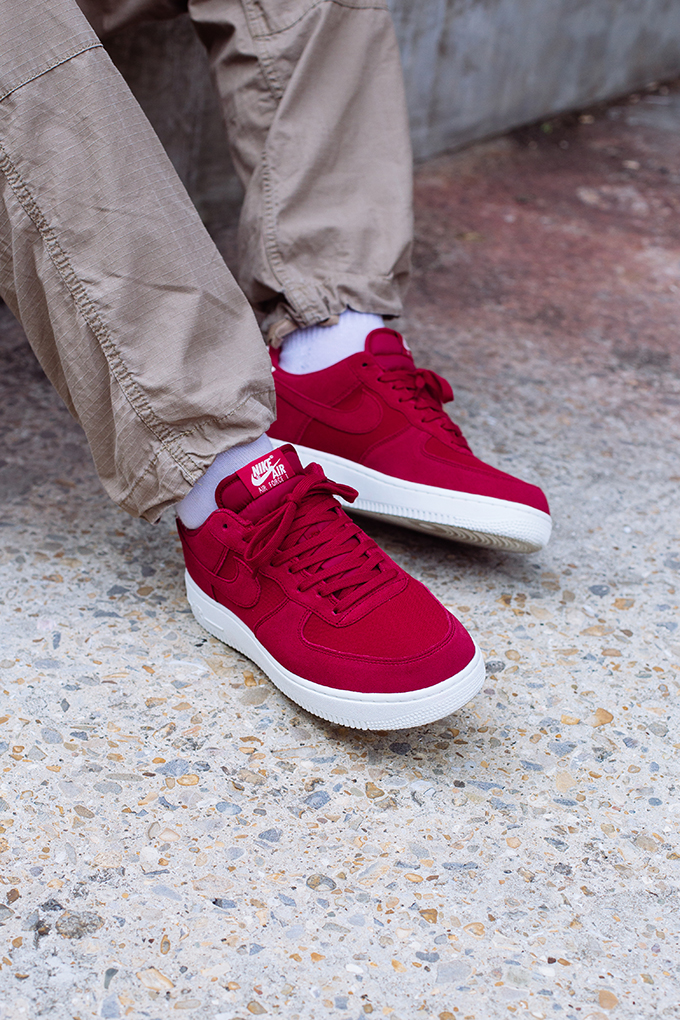 new product e971d fb6ec Nike Air Force 1 07 Suede Red Crush