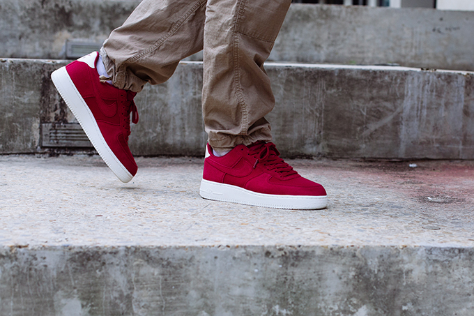 sale retailer ac7b6 48937 Nike Air Force 1 07 Suede Red Crush  On-Foot Shots