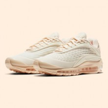 d4955982494c The Nike Air Max Deluxe SE Arctic Orange is Super Frosty