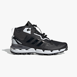 Climb Mountains with the adidas Performance Terrex Fast GORE-TEX®Surround X  WM 7b13ade0b