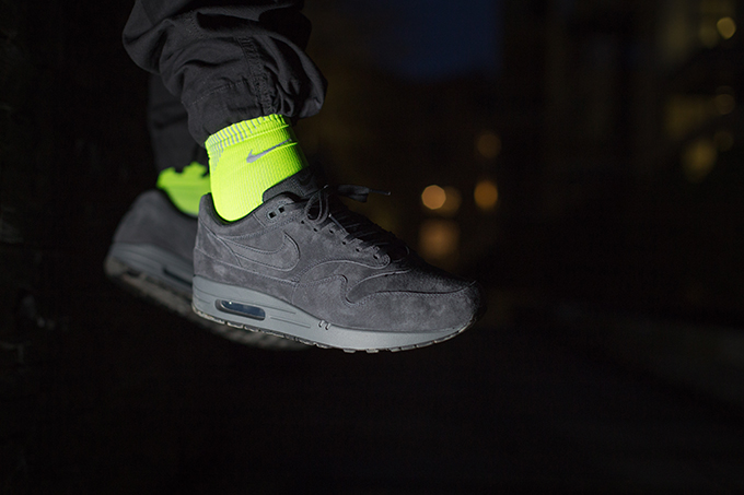 aa5a8c838aec9b Nike Air Max 1 Premium Anthracite  On-Foot Shots - The Drop Date