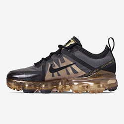 fd8d5af9c0e1e The Nike Air VaporMax 2019 Lands in Black and Metallic Gold