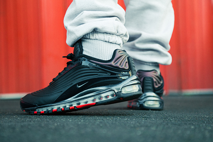 d8da14384c The NIKE AIR MAX DELUXE SE is AVAILABLE NOW. Take a look at our on-foot  shots below and hit the accompanying banner to shop the release via NIKE.