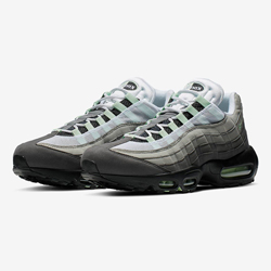 low priced 753b5 fa6f1 Stay Fresh with the Nike Air Max 95 Fresh Mint