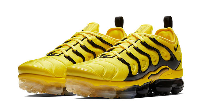 2a4b10c72f The NIKE AIR VAPORMAX PLUS is decked out in a bold bumblebee-approved  colourway…
