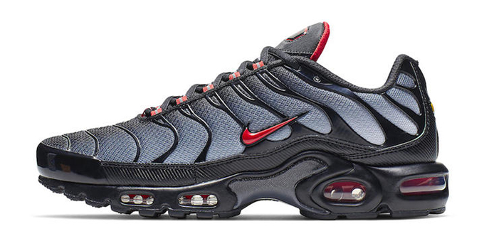 fade to black with the nike air max plus wolf grey and university red the drop date