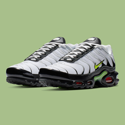 save off b88b9 0a7a1 Step Correct with This Two-Toned Take on the Nike Air Max Plus