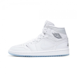 great fit 37e81 dd729 Nike WMNS Air Jordan 1 Mid – Unité Totale – AVAILABLE NOW