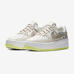 best sneakers 7cbcf 024ae The Nike WMNS Air Force 1 Sage Low Premium Camo is Available Now